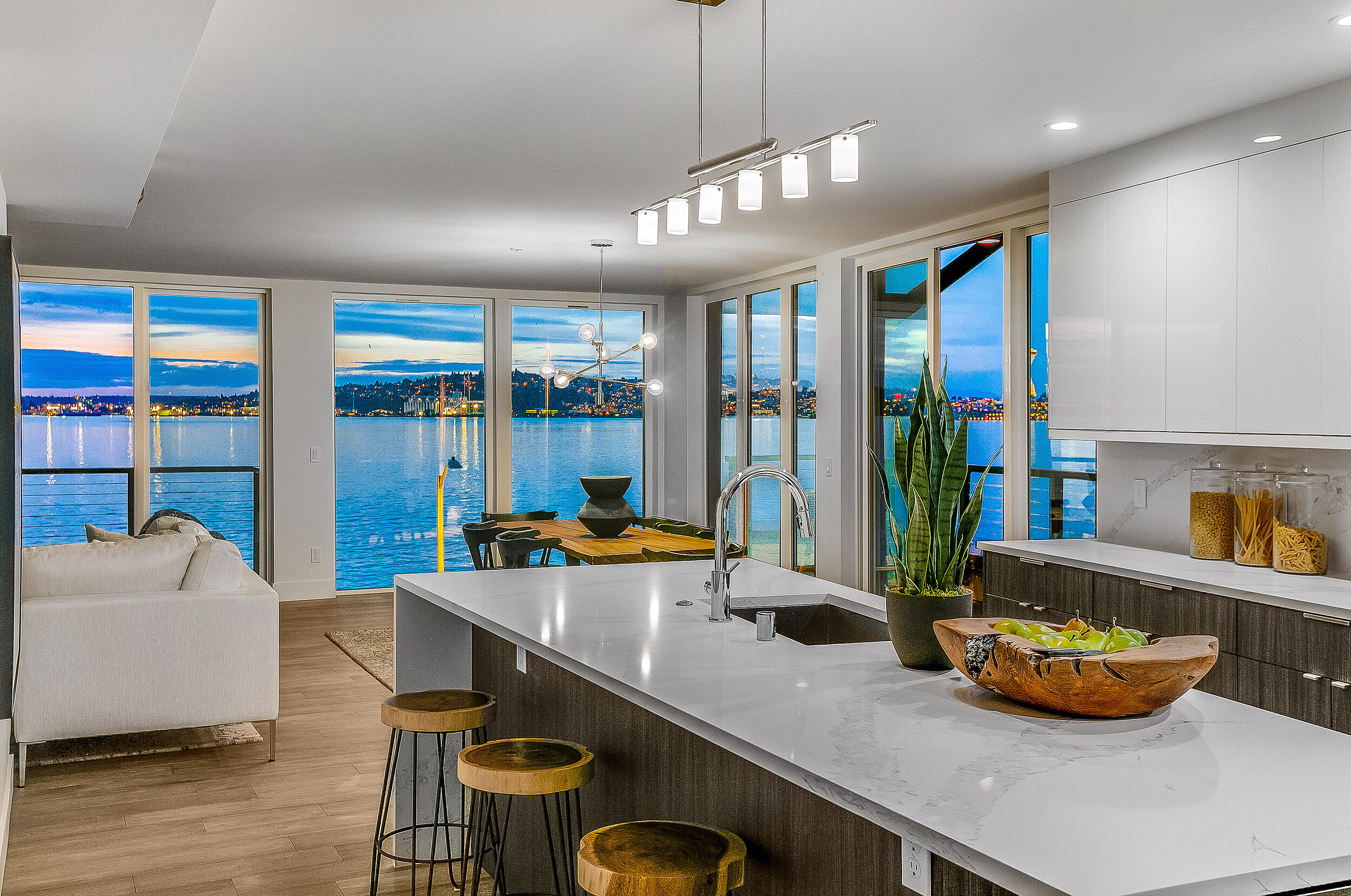 New Seattle condos: Update on the Pinnacle at Alki